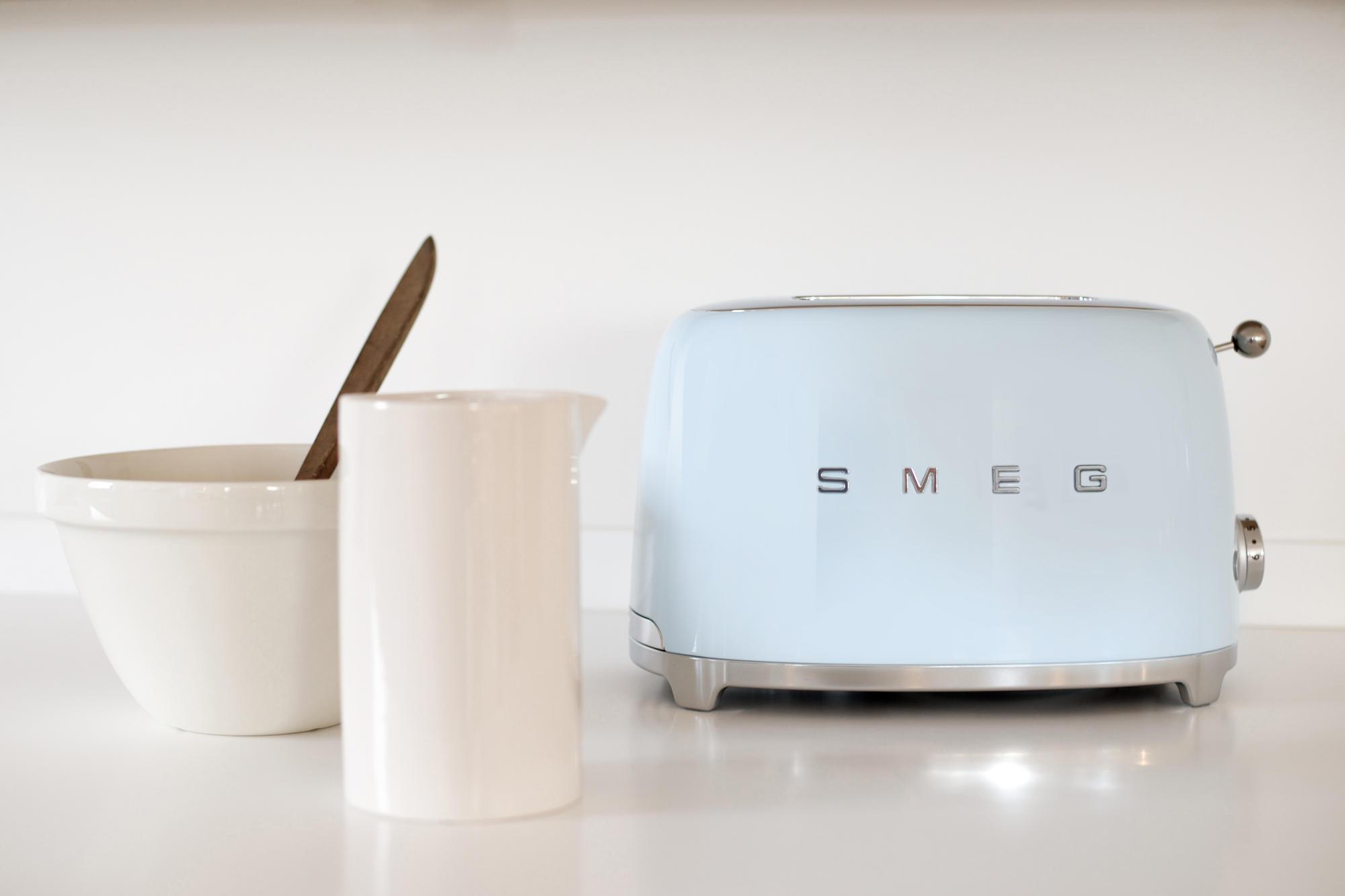 WEB_TSF01PBEU_55.jpg-smeg-toaster-retro-design-50s-60s-shop-bleywaren