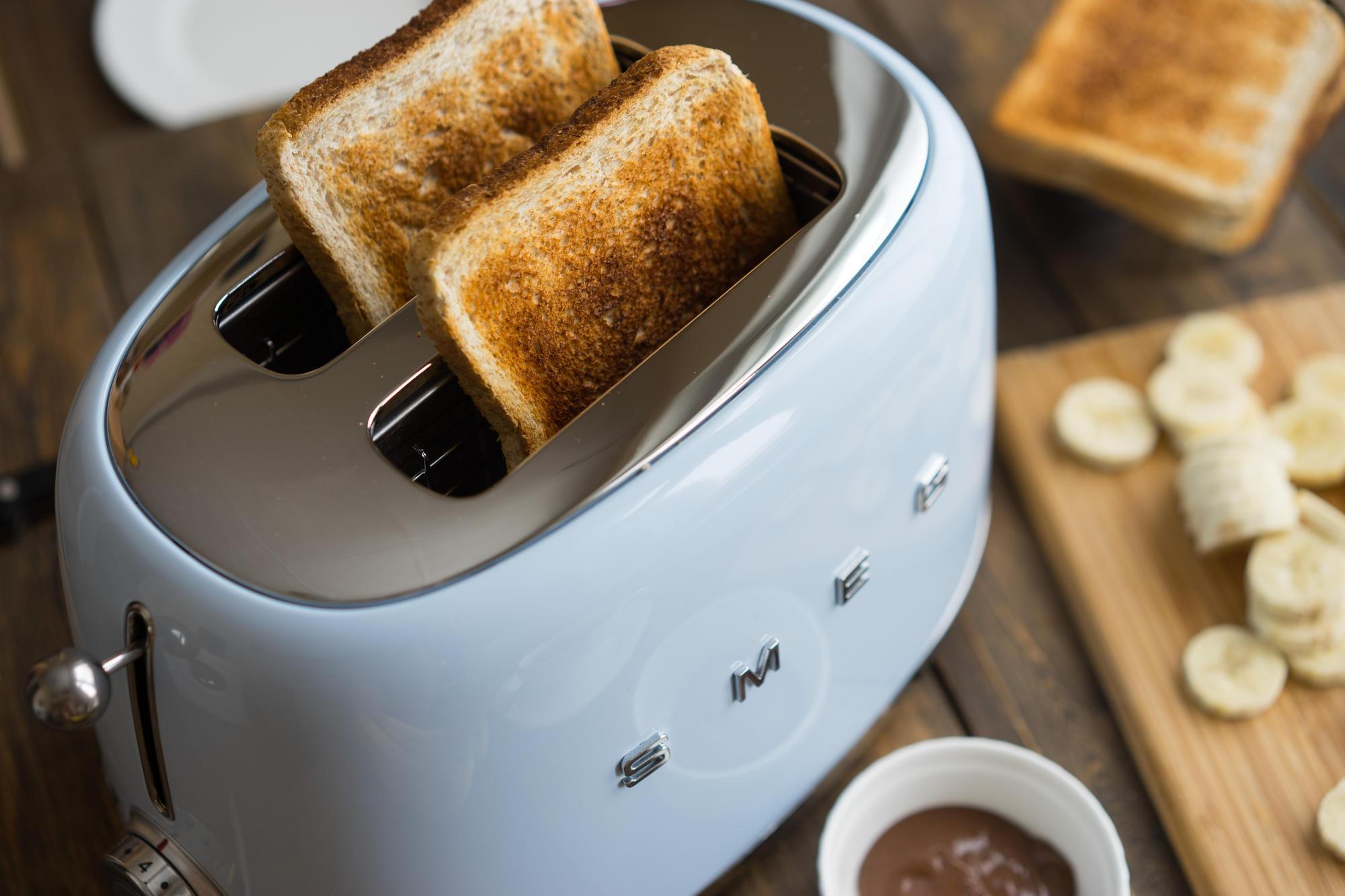 WEB_TSF01PBEU_64.jpg-smeg-toaster-retro-design-50s-60s-shop-bleywaren