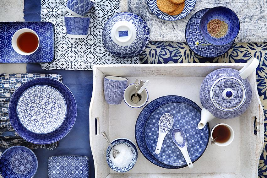 nippon-blue-liggend-japanisches-asiatisches-porzellan-muster-dekor-blaue-punkte-streifen-onlineshop-bleywaren